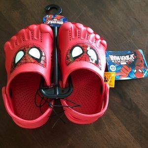 Size 5/6 toddler spider man shoes